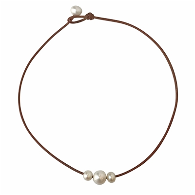 Wendy Mignot Daisy Three Pearl Freshwater Necklace White